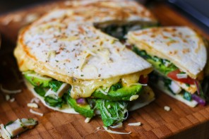 Chicken & Spinach Quesadilla Pie